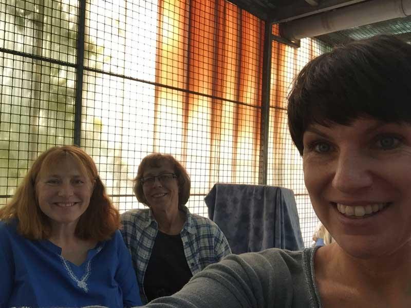 Von links nach rechts: Sylvia Bendix, Karin Hülshorst und ich, Sabine :-)