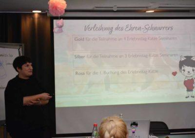 Verleihung des Ehren-Schnurrers am Erlebnistag Katze zum Katzen-Podcast Jubiläum